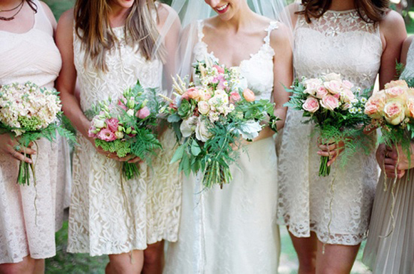 sleeveless-white-lace-bridesmaid-dresses
