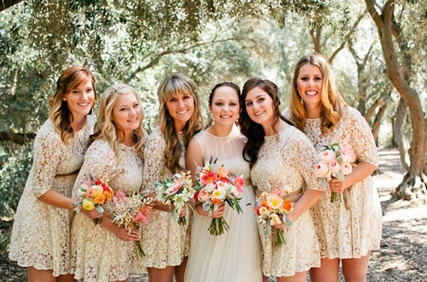 vintage-white-lace-short-bridesmaid-dresses