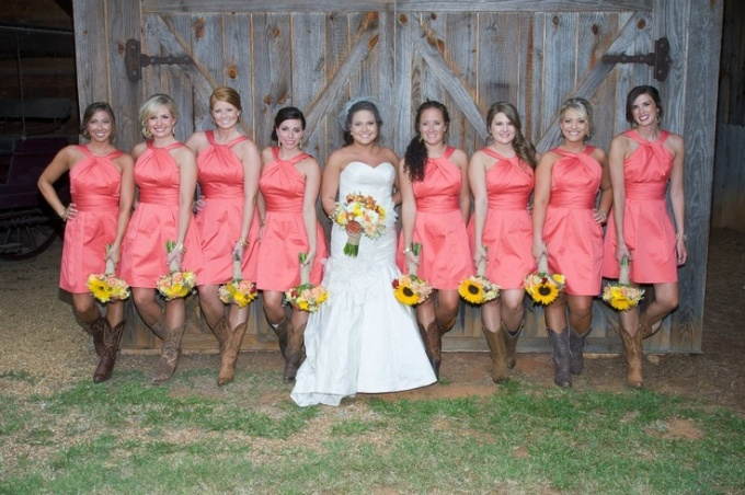 coral-short-bridesmaid-dresses-with-cowboy-boots