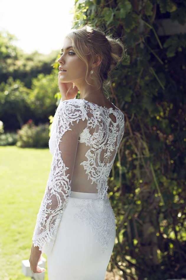 17Riki-Dalal-Wedding-Dress-Wedding-Dresses-With-Sleeves-Bridal-Musings-Wedding-Blog-1