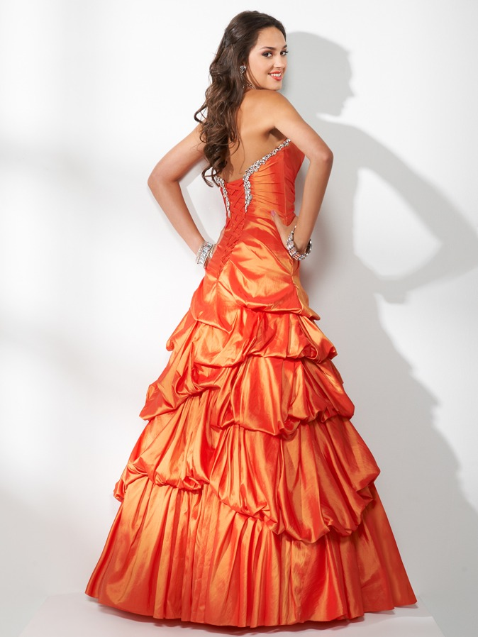 2ball-gown-prom-dress-pick-up-skirt