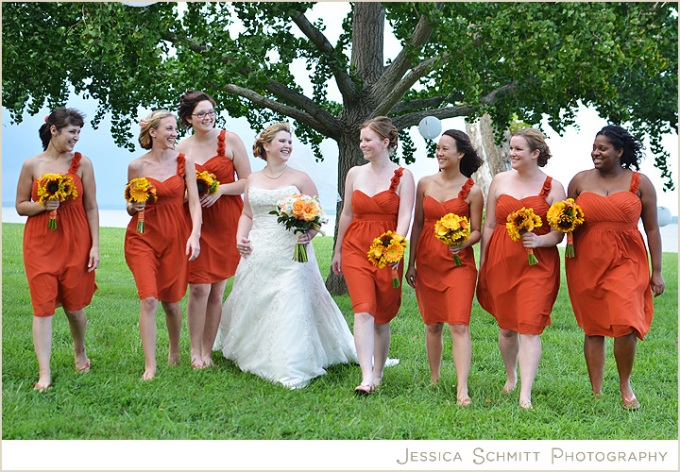 bridesmaids-orange-dress-sunflowers