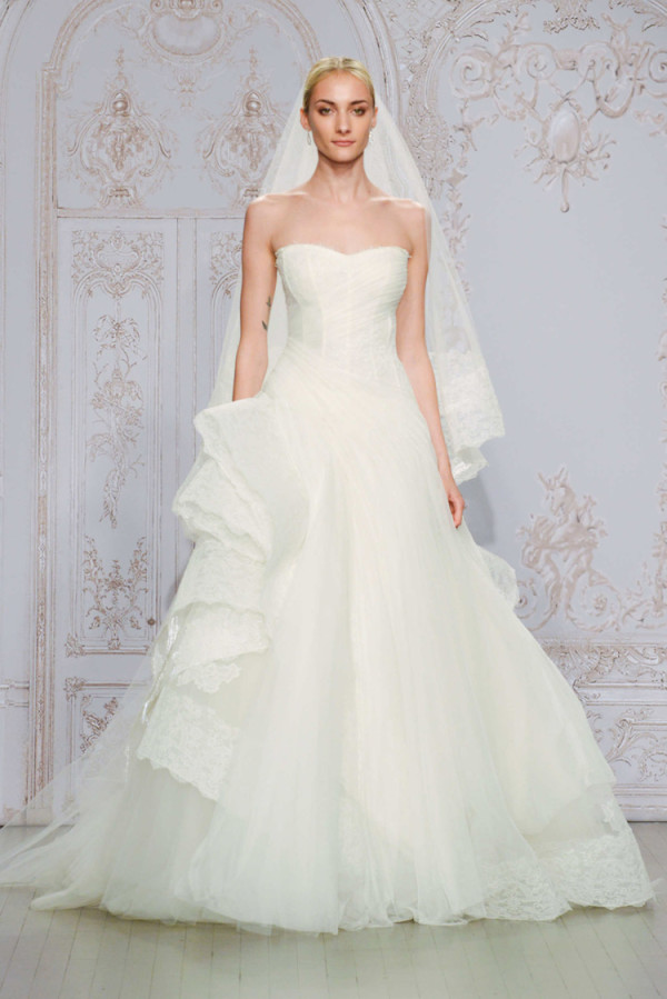 11Monique-Lhuillier-Fall-2015-Strapless-lace-and-tulle-asymmetrical-ball-gown-wedding-dress-600x899