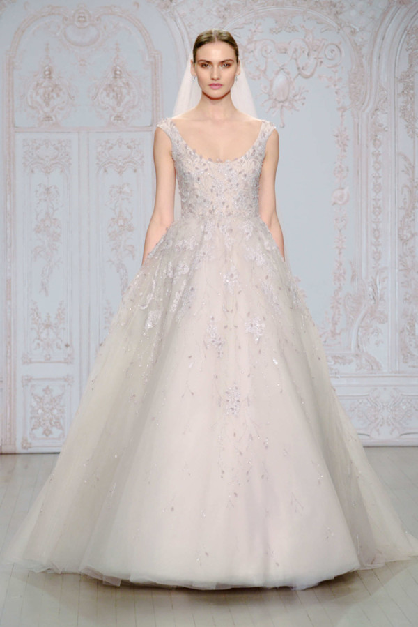 13Monique-Lhuillier-Fall-2015-sleeveless-lavender-tulle-ball-gown-wedding-dress-and-a-scoop-neckline-600x899