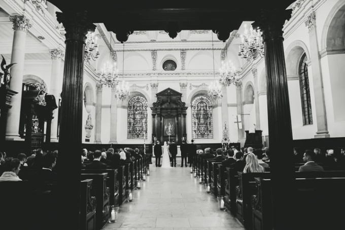18-Modern-London-Wedding-By-Amy-B-Photography