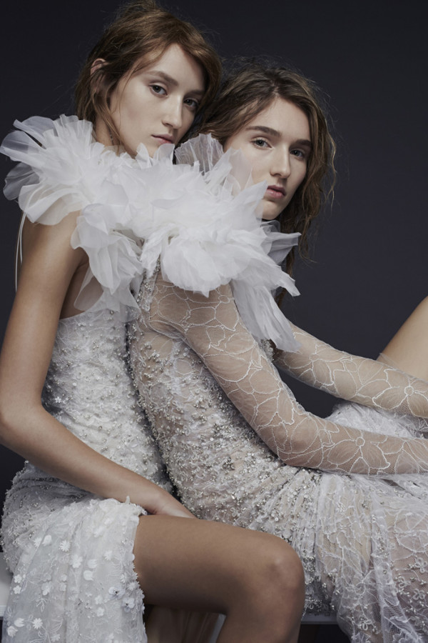 2Vera-Wang-Fall-2015-Chantilly-lace-bridal-gowns-600x900