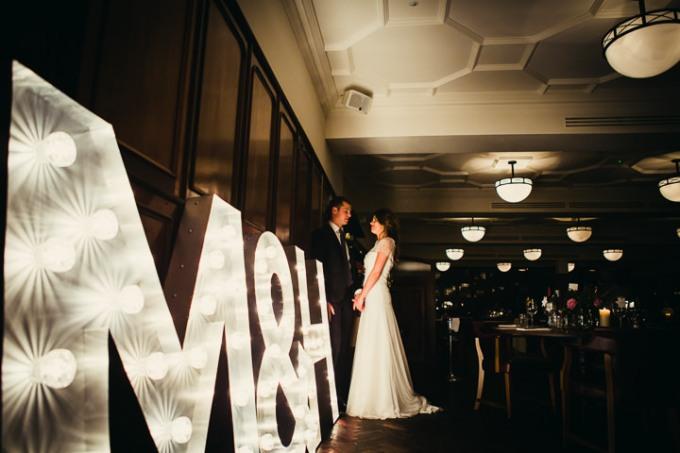 33-Modern-London-Wedding-By-Amy-B-Photography