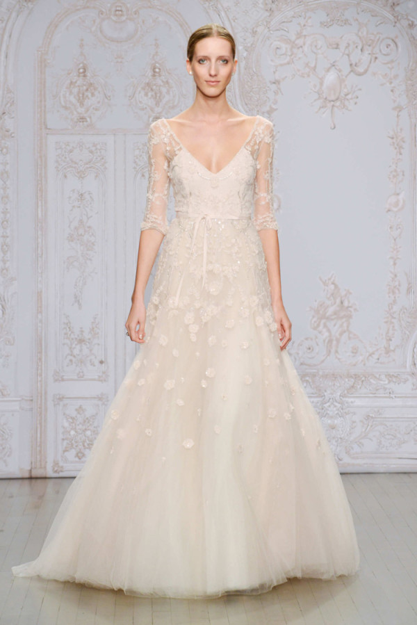 5Monique-Lhuillier-Fall-2015-blush-A-line-wedding-dress-with-a-V-neckline-and-illusion-three-quarter-sleeves-600x899