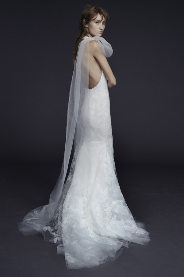8Vera-Wang-Fall-2015-silk-georgette-halter-mermaid-bridal-gown-600x900