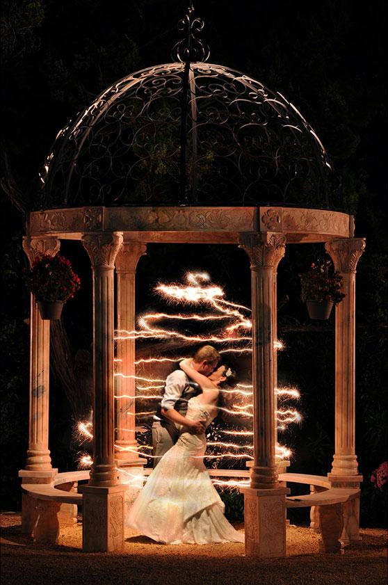 magical-sparkler-wedding-photo-captivating-weddings