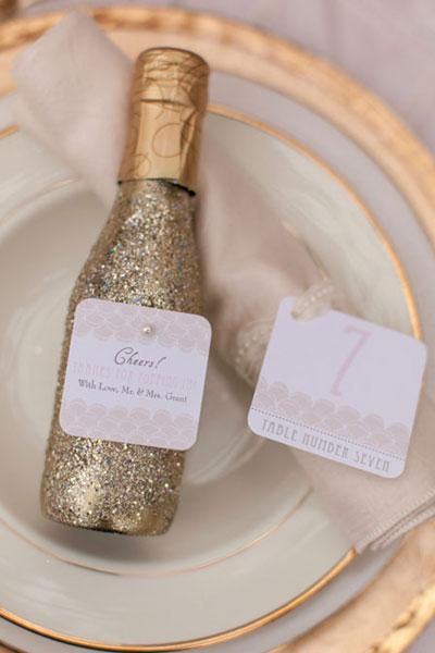 winter-wedding-favors-champagne-shewanders2