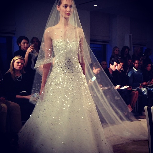 16 carolina-herrera-sparkle-plenty-in-this-ultra-glam-show-stopper