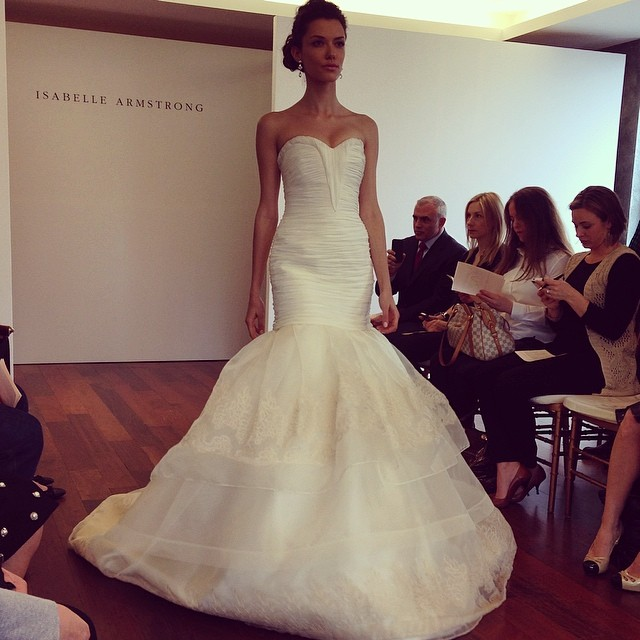 21 isabelle-armstrong-ruched-organza-and-lace-showstopping-mermaid