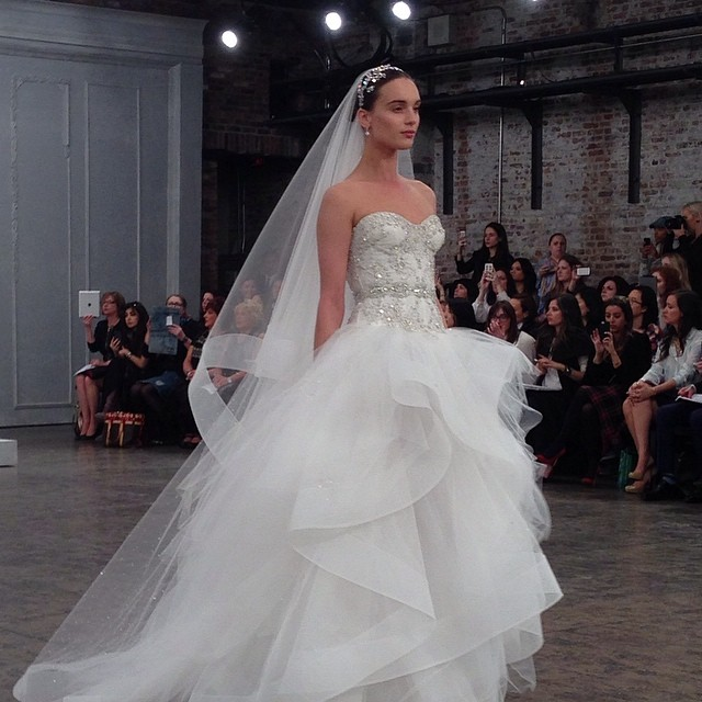 23 monique-lhuillier-breathtaking-ballgown