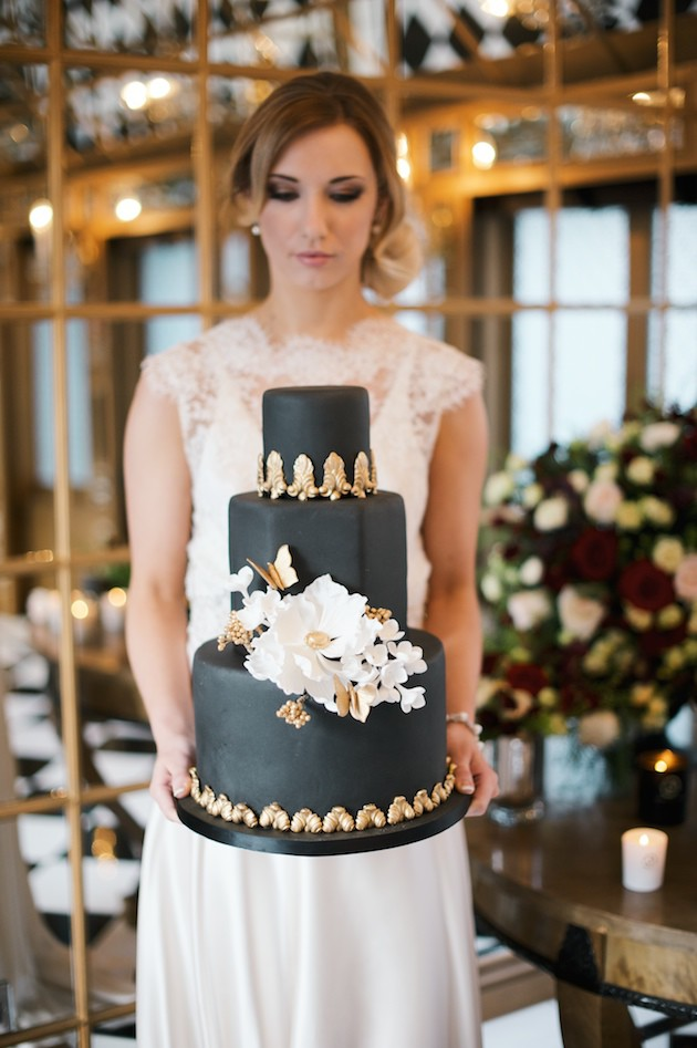 1 Luxurious-Black-Gold-Wedding-Inspiration-Kate-Nielen-Photography-Bridal-Musings-Wedding-Blog-30-630x947