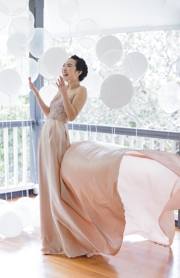 1 Mixed-Metallics-Wedding-Shoot-Chen-Sands-Photography-The-Wedding-Scoop-Bridal-Musings-Wedding-Blog-1-630x972