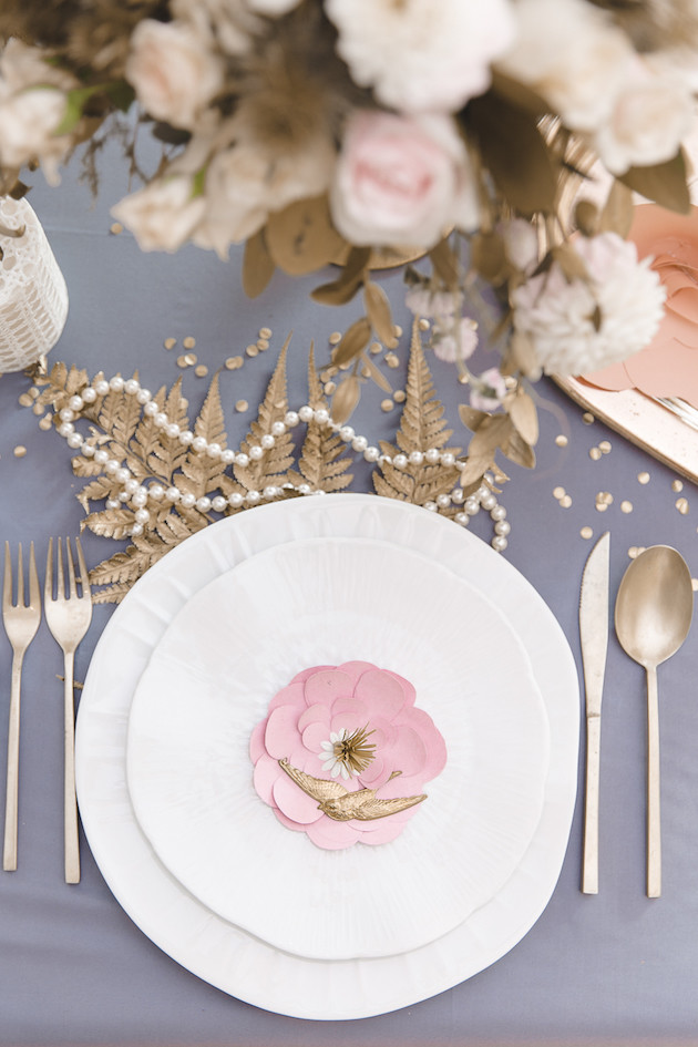 11 Mixed-Metallics-Wedding-Shoot-Chen-Sands-Photography-The-Wedding-Scoop-Bridal-Musings-Wedding-Blog-19-630x945
