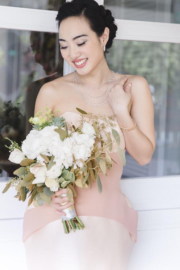 14 Mixed-Metallics-Wedding-Shoot-Chen-Sands-Photography-The-Wedding-Scoop-Bridal-Musings-Wedding-Blog-41-630x945