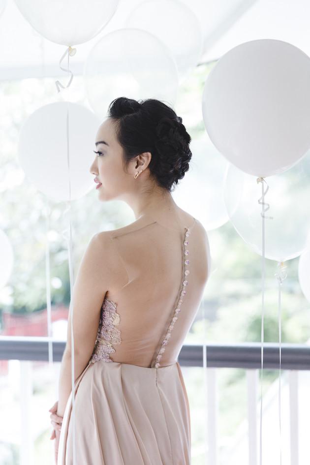 4 Mixed-Metallics-Wedding-Shoot-Chen-Sands-Photography-The-Wedding-Scoop-Bridal-Musings-Wedding-Blog-32-630x945