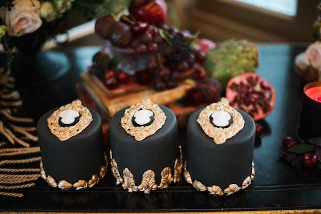 7 Luxurious-Black-Gold-Wedding-Inspiration-Kate-Nielen-Photography-Bridal-Musings-Wedding-Blog-55-630x419