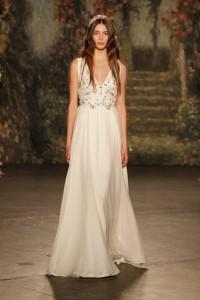 4 Jenny-Packham-Wedding-Dress-Collection-2016-Bridal-Market-Bridal-Musings-Wedding-Blog-3-630x945