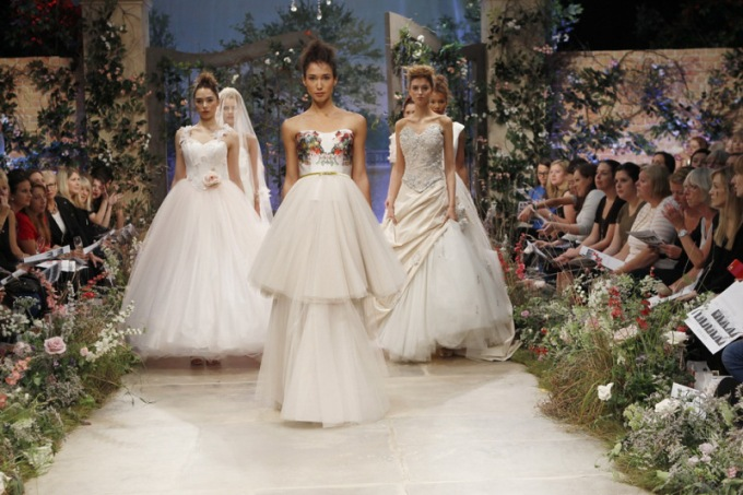 6 wpid363428-brides-the-show-october-2015-london-5