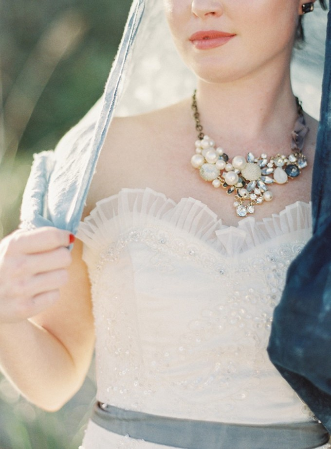 13-beachside-grey-skies-winter-blue-ocean-wedding-inspiration-weddings-unveiled-magazine-melanie-gabrielle-photography-41