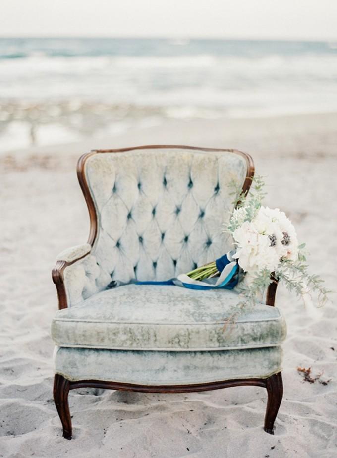 15-beachside-grey-skies-winter-blue-ocean-wedding-inspiration-weddings-unveiled-magazine-melanie-gabrielle-photography-37