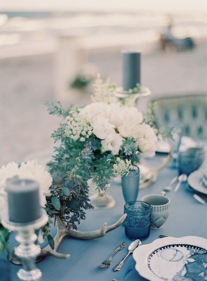 28-beachside-grey-skies-winter-blue-ocean-wedding-inspiration-weddings-unveiled-magazine-melanie-gabrielle-photography-16