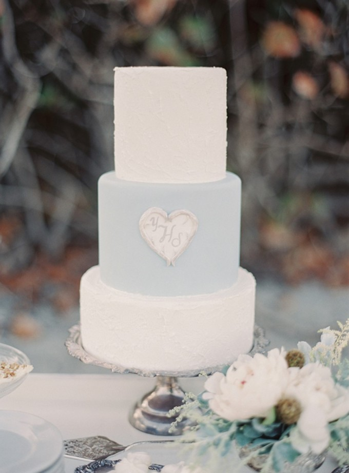 5-beachside-grey-skies-winter-blue-ocean-wedding-inspiration-weddings-unveiled-magazine-melanie-gabrielle-photography-06