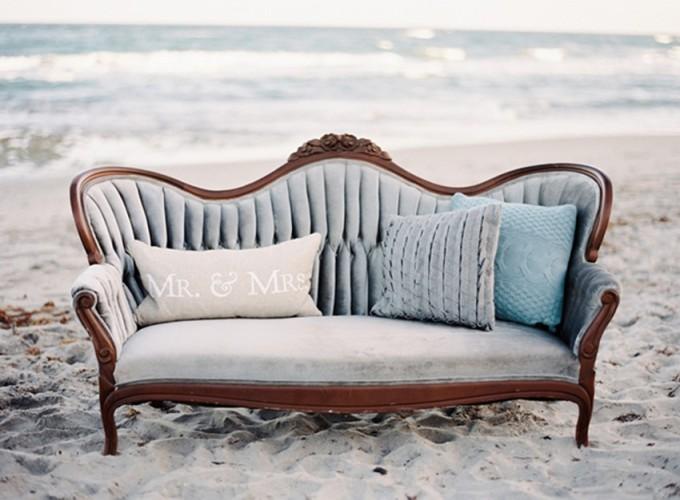 6-beachside-grey-skies-winter-blue-ocean-wedding-inspiration-weddings-unveiled-magazine-melanie-gabrielle-photography-27