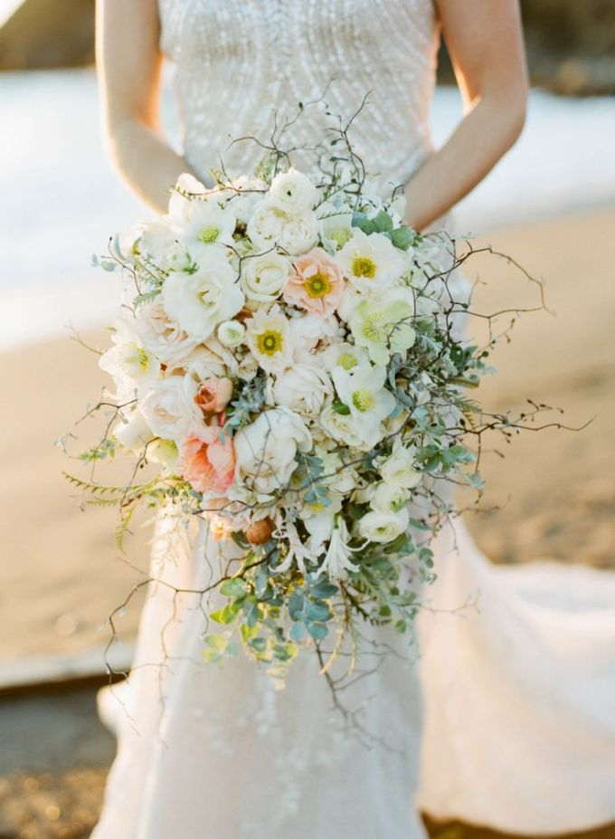 Cascading-Bouquet-2